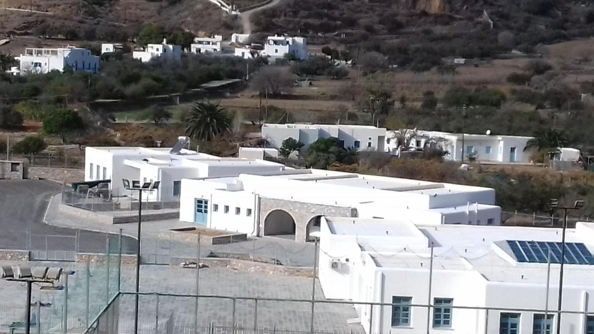 New Primary School and Kindergarten of Aigiali, Amorgos | South