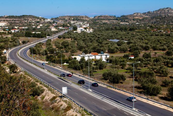 Εθνική Οδός Ρόδου - Λίνδου (φωτ. Ν. Κασέρης)