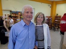 Ο Νίκος Μελισσουργός με τη σύζυγό του στις εγκαταστάσεις της επιχείρησης, φωτ. Ν.Α. (για την ΕΔΑ, 2014)
